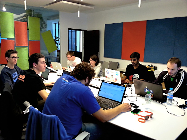 A QA session at the Mozilla joint L10n-QA Hackathon in October 2015 at Paris.